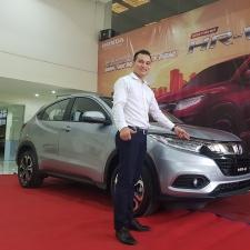 Nên Mua Honda CRV 1.5L Nhập Khẩu 7 Chỗ Hay Toyota Fotuner 2018 Tại Việt Nam